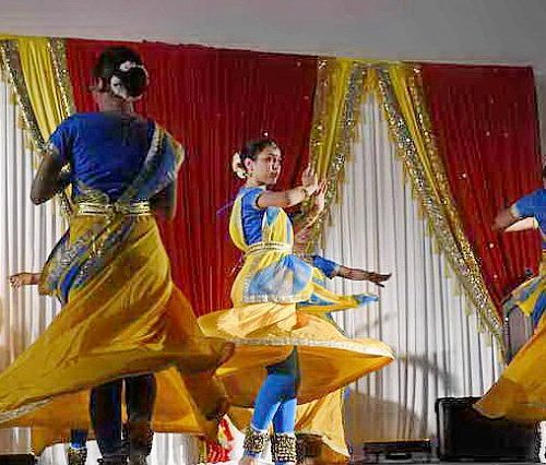 Gurudev1-7-11-14-5913-DDeRosaPhoto